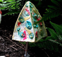 Stitch your own Toadstool : A relaxing afternoon of making